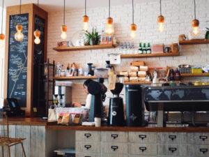 カフェのカウンターの写真